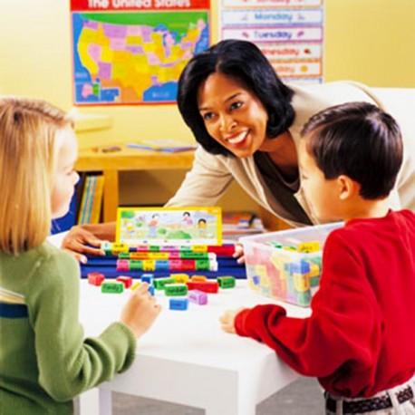 Joc Domino pentru construit propozitii