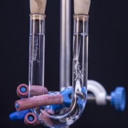 Dispozitiv pentru studiul electrolizei